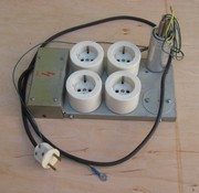 Пилот (сетевой фильтр),  металлический корпус,  заземление.
